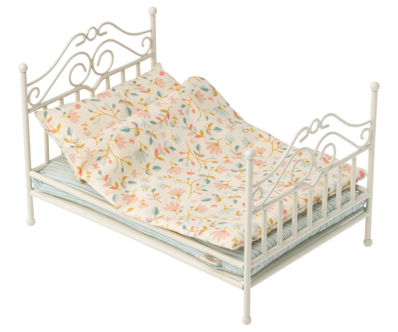 Maileg Vintage Bed Micro Soft Sand